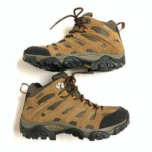 NEW Merrell Hiking Boots 7
